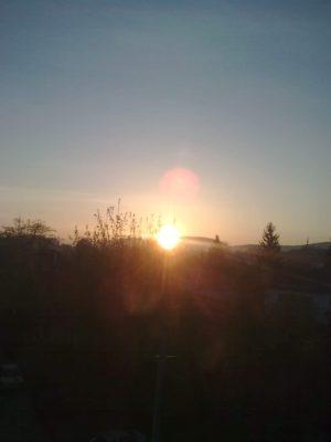 J Răsărit de Soare de la noua locuinţă Image15185