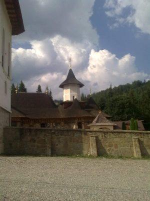 1 MănăstireaPetru Vodă veche