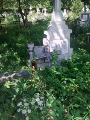cimitirul străbun băbuşa