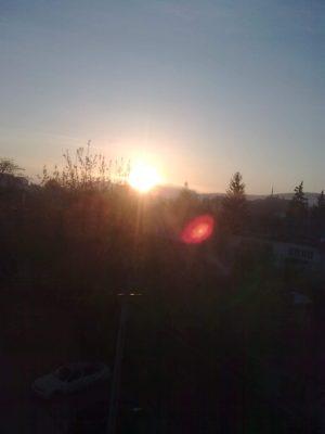 1 Soarele răsare foto j.n.