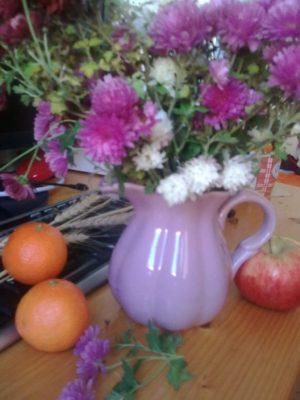 flori pe masa de lucru jeniţa naidin